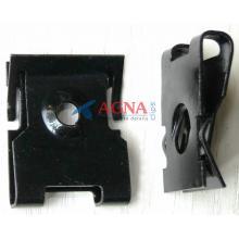 H 2000 Скоба обшивки багажника, салона, приборной панели VW / Audi / Seat / Skoda  N90610602